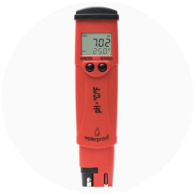 1999 - Primul tester de pH/temperatură din lume cu ecran LCD pe doua niveluri