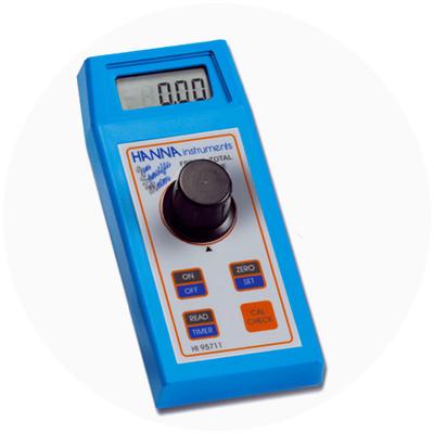 2002 - Primul colorimetru din lume cu funcția CAL Check™